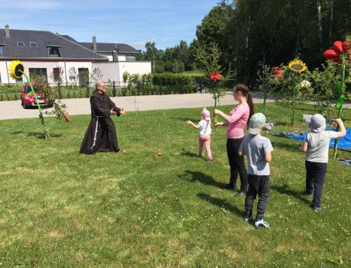 Prie Klaipėdos pranciškonų vienuolyno – stovykla autistiškiems vaikams