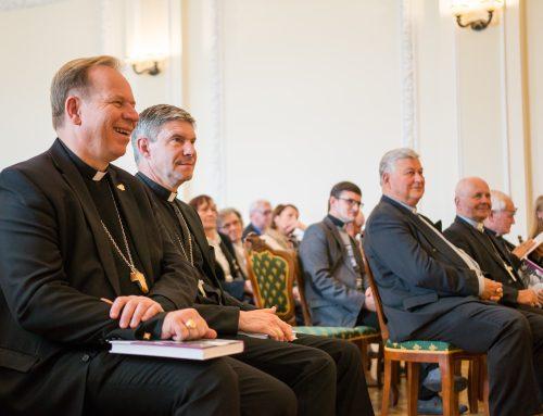 Video reportažas iš knygos apie vyskupą t. Paulių Baltakį sutiktuvių